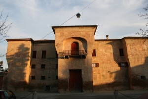 La Rocca Rangoni a Spilamberto, da qualche anno proprietà comunale (foto dell'1 gennaio 2012)