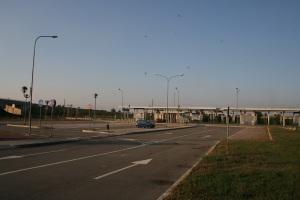 La stazione de-centrata di Via Lunga: una cattedrale nel deserto! (foto del 28 settembre 2011)