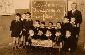 Una classe delle elementari negli anni '50-'60 (foto dalla mostra C'era una volta la scuola ... a Vignola e dintorni, 8 gennaio 2011)