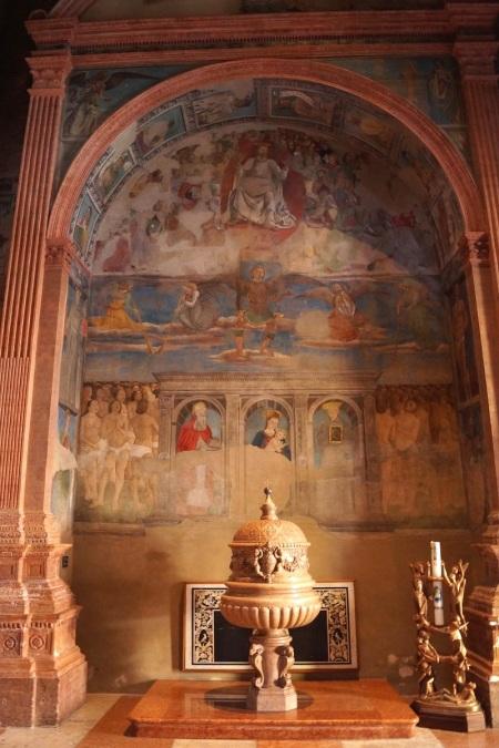 La Cappella Bellincini nel Duomo di Modena con l'affresco di Cristoforo da Lendinara (foto del 10 agosto 2016)